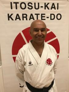 Reza Moein, 1. dan Itosu-Kai Började träna karate i Itosu-Kai 2009. Hjälpinstruktör i Danderyds Karateklubb.